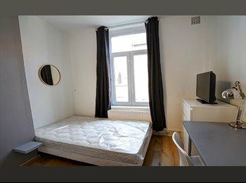 Appartager FR - Chambre Double avec salle de bain privée - Vauban - Vauban Esquermes, Lille - 475 € /Mois