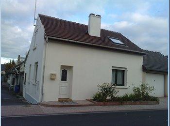 Appartager FR -  Loue dans une maison  bail de colocation 1 chambre libre - Roissy-en-France, Paris - Ile De France - 350 € /Mois