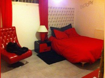 Appartager FR - Chambre meublée dans maison en coloc - Vaulx-en-Velin, Lyon - 490 € /Mois