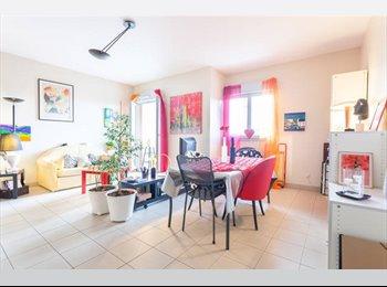 Appartager FR - CHAMBRE DANS IMMEUBLE DE STANDING - 6ème Arrondissement, Lyon - 700 € /Mois
