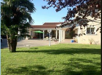 Appartager FR - Particulier loue chambre meublée dans villa - Irigny, Lyon - 400 € /Mois