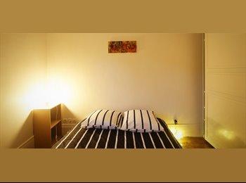 Appartager FR - Grand appartement de 2 chambres Disponible Avec sécheuse dans Central Hôtel-deVille - 1er Arrondissement, Paris - Ile De France - 2390 € /Mois