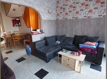 Appartager FR - CHAMBRE meublée en colocation dans maison équipée  - Amiens, Amiens - 410 € /Mois
