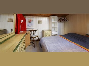 Appartager FR - Chambres à louer dans maison de charme avec jardin à Vanves, Paris - 1er Arrondissement, Paris - Ile De France - 600 € /Mois