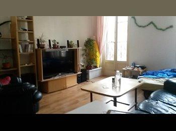 Appartager FR - Recherche colocataire en plein centre - 1er Arrondissement, Marseille - 360 € /Mois