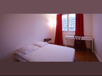 Appartager FR -  Appartement de 3 chambres flambant neuf, à 15 minutes de la Gare du Nord - 18ème Arrondissement, Paris - Ile De France - 2500 € /Mois
