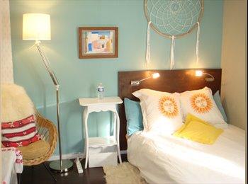 Appartager FR - Paris Canal : un chambre cosy dans un appartement arty de 70 m² - 19ème Arrondissement, Paris - Ile De France - 730 € /Mois