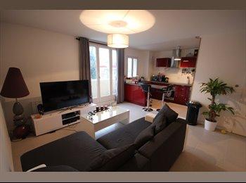 Appartager FR - Chambre dans T2 de 51 m². (Eng/Germ/French) - Vitry-sur-Seine, Paris - Ile De France - 450 € /Mois