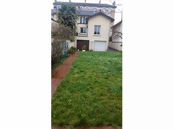 Appartager FR - Belle maison 5P meublée avec Cave et grand Jardin - Maisons-Alfort, Paris - Ile De France - 2250 € /Mois
