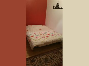 chambre meublé, calme avec fenetre