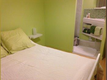 Chambre meublée avec douche privée