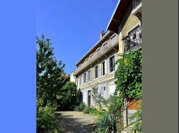 Appartager FR - Chambre spacieuse proche centre ville - Besançon, Besançon - 260 € /Mois