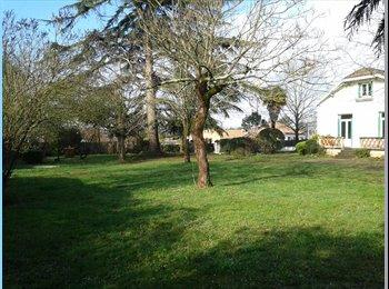 Appartager FR - Colocation maison avec jardin, Angoulême - 343 € /Mois