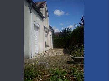 Appartager FR - Maison 83m² sur 2 niveau à partager - Besançon, Besançon - 400 € /Mois