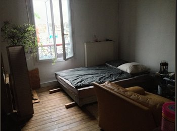 Appartager FR - Chambre disponible le 15 mai! - St Bruno - St Victor - Meriadeck, Bordeaux - 340 € /Mois