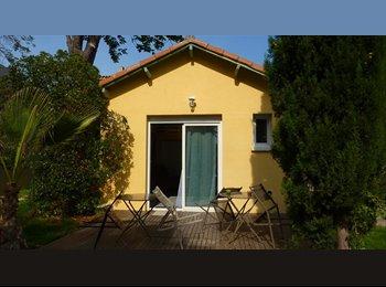 Appartager FR - MAISONNETTE SUR JARDIN - Aix-en-Provence, Aix-en-Provence - 700 € /Mois