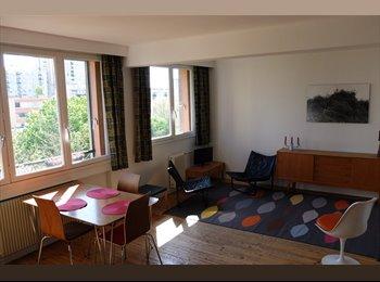 Appartager FR - Chambre ensoleillée et calme dans grand appart' - 20ème Arrondissement, Paris - Ile De France - 550 € /Mois