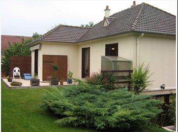 Appartager FR - pavillon avec jardin et terrasse en colocation - Ifs, Caen - 350 € /Mois