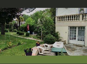 Appartager FR - Proche Lycée NARCE Idéal pour etudiant pour vacances d'été 2016, Angers - 180 € /Mois
