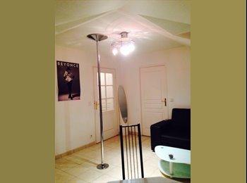 Appartager FR - URGENT DE LA MORT!!!!!  Sous loue chambre pour 2 mois, Paris - Ile De France - 550 € /Mois