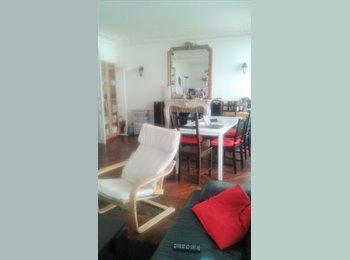 Colocation dans 100 m2 - Paris 10 - 850€ tout compris -...