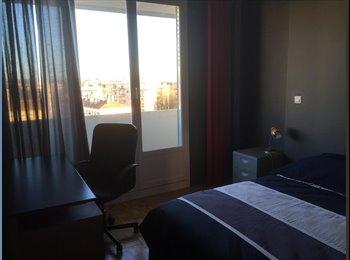Appartager FR - colocation pour 2 étudiants - Caluire-et-Cuire, Lyon - 380 € /Mois