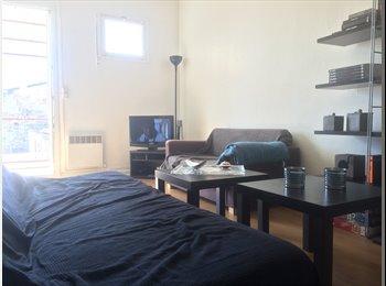 Appartager FR - Colocation dans Bordeaux centre - Capucins - Victoire - St Michel - Ste Croix, Bordeaux - 350 € /Mois
