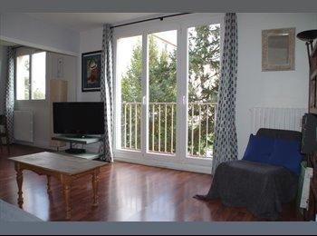 Appartement  agréable , Trois chambres pour une colocation