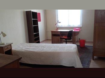 Appartager FR - LOUE chambres COLOCATION à ETUDIANTES serieuses, Mulhouse - 360 € /Mois