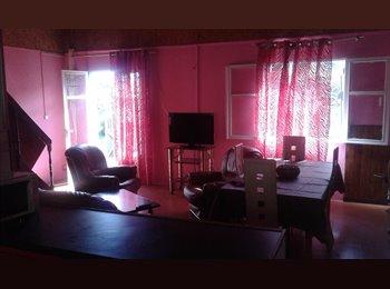 loue chambres meublées simples,REUNION