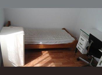 Appartager FR - chambres meublées avec sdb individuelle et cuisine commune, Reims - 360 € /Mois