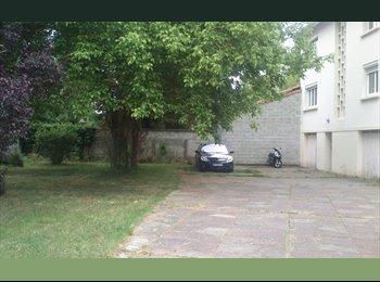 Maison, avec jardin à Pessac centre rech coloc Fille