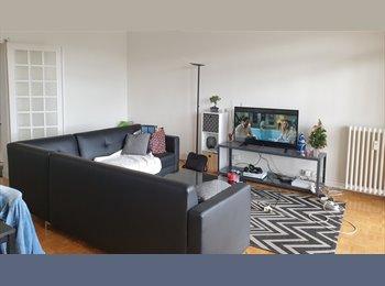 Appartager FR - Colocation plein centre dans un grand appartement meublé refait à neuf , Laval - 330 € /Mois
