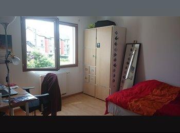 Appartager FR - Sous location de ma chambre pour le mois d'août !, Rennes - 280 € /Mois