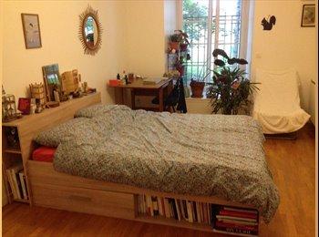 Appartager FR - Belleville - Belle chambre de 20m2 dans spacieux Duplex, 19ème Arrondissement - 750 € /Mois