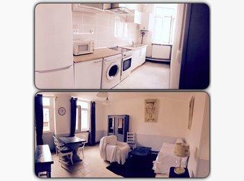 Appartager FR - Colocation  à créer appartement de 3 chambres , Saint-Étienne - 750 € /Mois