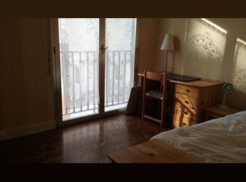 Versailles rive droite chambre meublée  avec SD & WC privée...