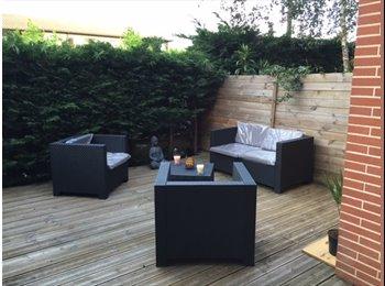 Appartager FR - Chambre spacieuse dans une maison cozy, Toulouse - 500 € /Mois