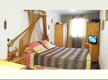 Appartager FR - Jolie chambre moderne chez l'habitant, Bastia - 400 € /Mois