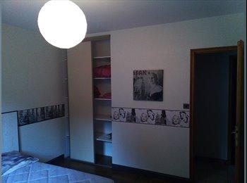 Appartager FR - Proche de Geant Casino chambre meublée, Champniers - 250 € /Mois