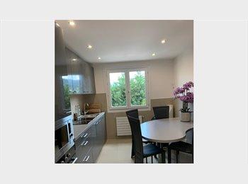 Appartager FR - chambres en colocation . de septembre à juin, Annecy - 450 € /Mois