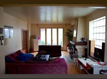 Appartager FR - Coloc relax dans grande maison proche Paris, Paris - Ile De France - 720 € /Mois