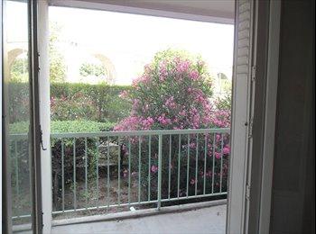 Appartager FR - Dans T3, chambres avec loggia, bail indépendant, non meublées., Aix-en-Provence - 422 € /Mois