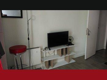 Appartager FR - chambre chez l'habitant, Paris - Ile De France - 380 € /Mois