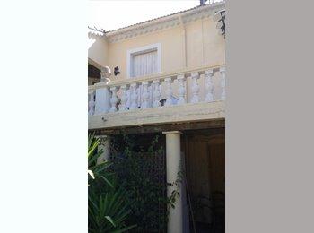 Appartager FR - Recherche artisan bâtiment vivant sur place 1 an meublé , Toulon - 600 € /Mois
