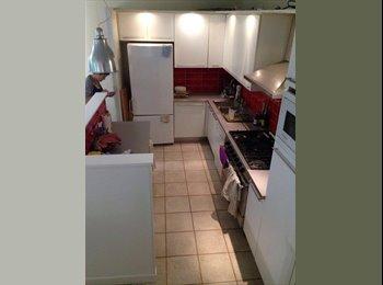 Appartager FR - Colocation dans une maison à Belleville, Paris - Ile De France - 720 € /Mois