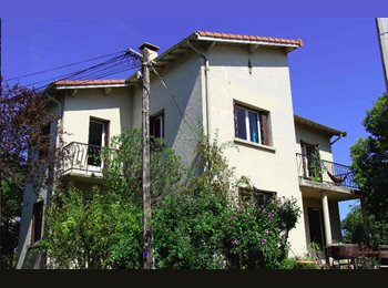 Appartager FR - Chambre (maison 120 m² & Jardin 350m²), Toulouse - 300 € /Mois