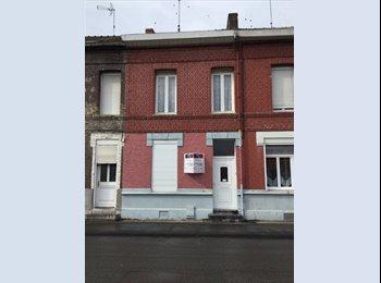 Appartager FR - Colocation dans une grande maison lumineuse, proche des transports en communs, Valenciennes - 300 € /Mois