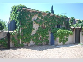 Appartager FR - Chambres en colocation - 10' de Nîmes , Bezouce - 350 € /Mois