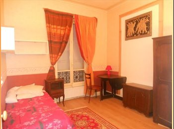 URGENT LADY FLATMATE EXCEPTIONAL CHAMPS ELYSEES